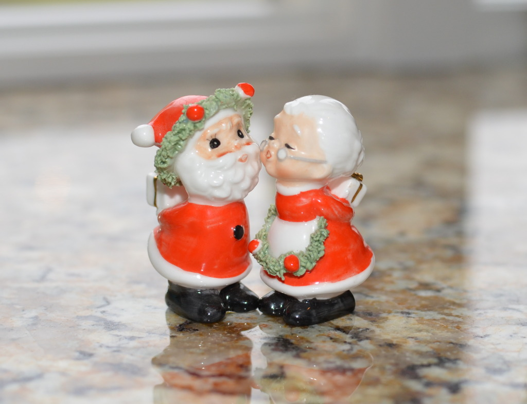Kissing Santa & Mrs. Claus